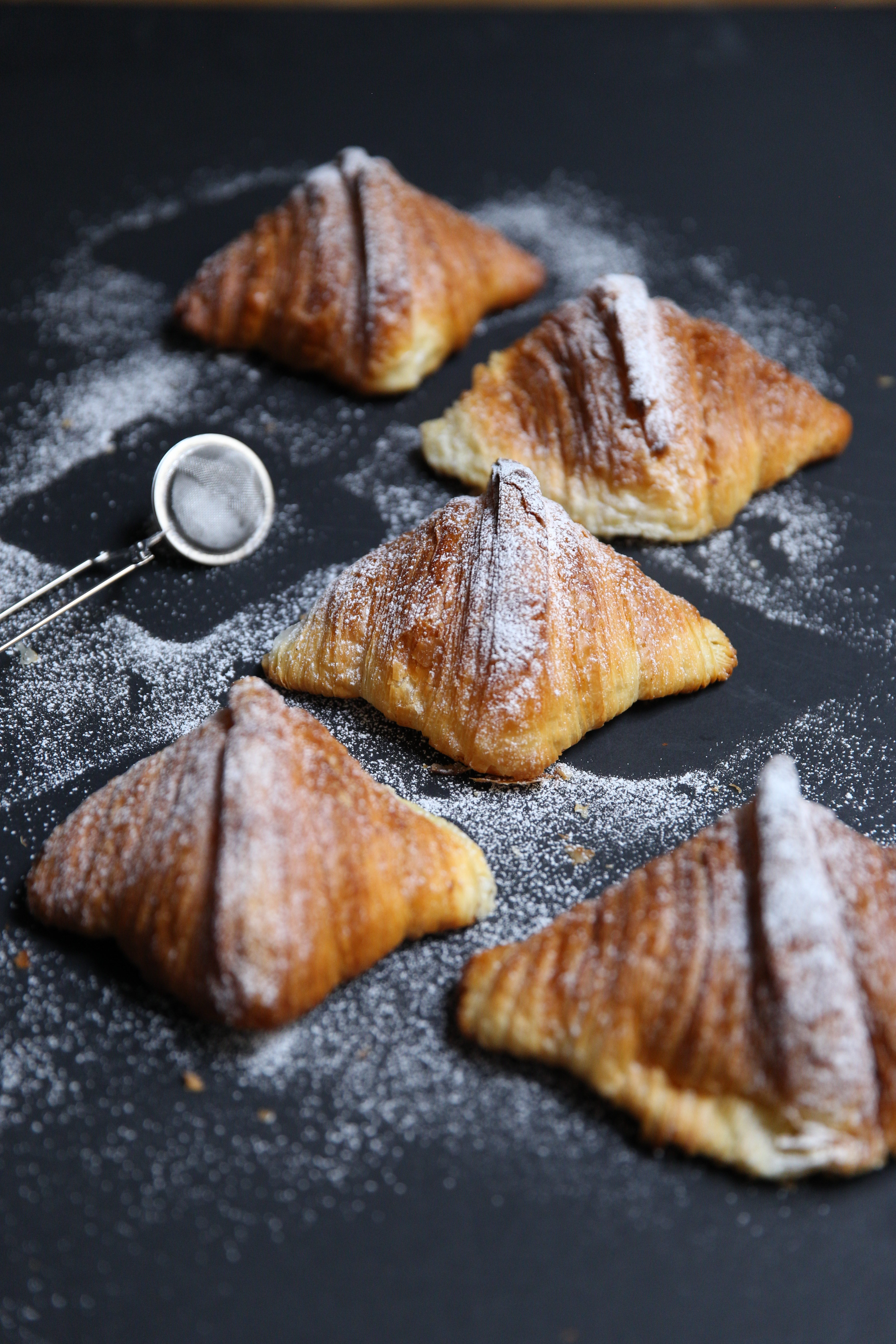 Croissant with powdered sugar